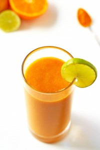 Carrot-Citrus-SMoothie-with-Ginger-and-Turmeric